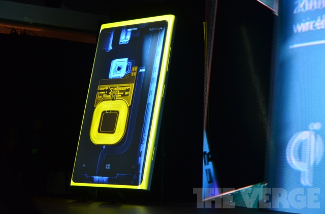 [Update] Reuters: Lumia 920 Hitting Retail Shelves In November.